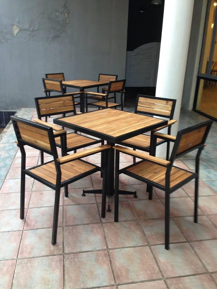 Mua bàn ghế quán nhậu