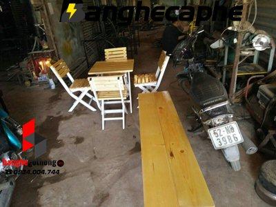 Bàn ghế cafe gỗ thông pallet